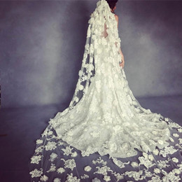 Wholesale Ivory Floral Veils - Luxury 2017 Lace Bridal Veils Cathedral Length Long 3D Floral Appliqued Ivory Or White Wedding Veils With Free Comb