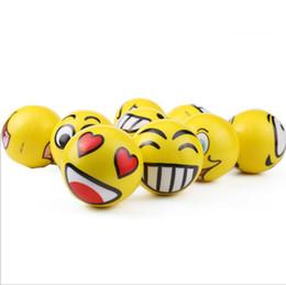 Pelota de terapia online-2017 Emoji Caras Apretar Estrés Bola Mano Muñeca Dedo Ejercicio Terapia de alivio del estrés - Estilos variados Nuevos regalos de la fiesta de Navidad Juguetes para mascotas