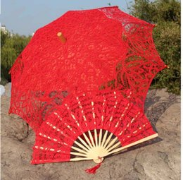 Wholesale Ivory Lace Parasols - Red Embroidery ivory Lace Parasols wedding Battenburg Lace Parasol and Fan Sun Umbrella Set Bride Adult size Vintage cancan