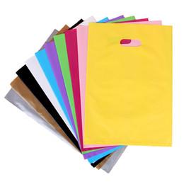 Argentina La bolsa de plástico elegante puede ser portátil Bolsas de embalaje para la ropa cosmética del regalo etc. Muchos colores pueden elegir Muchos tamaños pueden personalizar LOGOTIPO Suministro