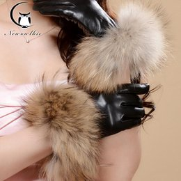Wholesale Korean Manicure - Wholesale- 2016 high-grade leather gloves leather and velvet thick warm winter female Korean manicure drive raccoon fur sheepskin gloves