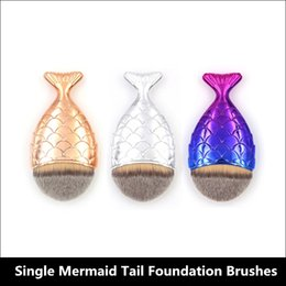 Wholesale Colour Fish - 2017 New Makeup Brush Single Mermaid Tail Fish Scale Fish Scale Foundation Brushes 3 Colors Gold Silvery Colour Free Shipping
