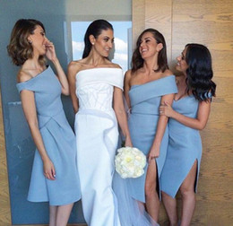 Wholesale Unique Formal Gown Long - Unique Beach Bridesmaid Dresses Sleeves Backless Knee Length Formal Wedding Guest GownS With Sheath Off Shoulder Sky Blue Satin Cheap