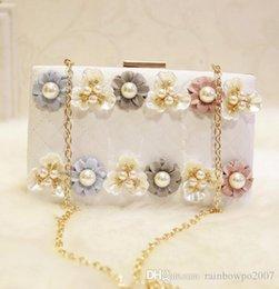 Wholesale White Beading Thread - who brand new package Kawai stereo flower woman hand bag of high-quality diamond Yanbao three-dimensional fashion diamond flowers Dinner Bag