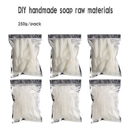 Wholesale Wholesale Soap Base - High quality Transparent Soap white Base DIY Handmade Raw Materials Base for Soap Making Melt And Pour Base 250g pack 1kg pack