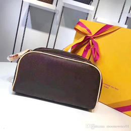 Wholesale Cosmetic Cases Designer - Designer Double Zipper Women Cosmetic Bags Big Travel Organizer Storage Wash Bags High Quality Leather Cases New Luxury