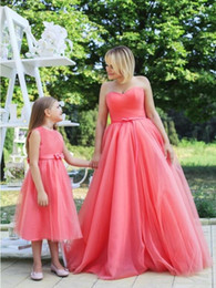 Wholesale Red Carpet Kids - 2017 New Arrival Ball Gown Mother And Daughter Dresses Sweetheart Long Prom Dresses Kids Evening Gowns Bow Party Dresses