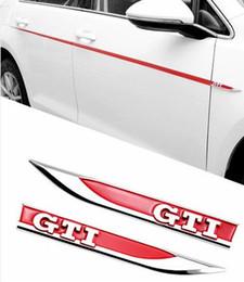 2019 vinyl für auto aufkleber materialien 2 stücke ABS Chrom Weiß GTI Logo Seite Kotflügelröcke Messer Typ Emblem Abzeichen Aufkleber Für Volkswagen VW Golf 7 MK7 GTI R