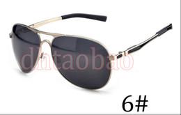 2019 occhiali nocivi Moq = 1 Pz di Alta Qualità Unisex uomo Metallo Doppio Naso Occhiali Da Sole Polarizzati + Caso Goggle Guida Ciclismo Occhiali Da Spiaggia 17 Colori Spedizione Gratuita occhiali nocivi economici