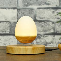 Holz Lautsprecher Floating Nachtlicht Drahtlose Bluetooth 4,0 Magnetschwebebahn Mini rotierenden Sound Musik Lautsprecher 3 Watt für Schlafzimmer Nacht Lampe von Fabrikanten