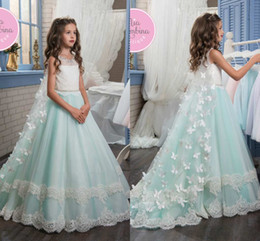 Wholesale Beaded Wedding Dresses Butterfly - 2017 New Butterfly Crew Neck Flower Girl Dresses With Bow Beaded Lace Appliques Princess Cheap Girl's Wedding Dresses with Wraps