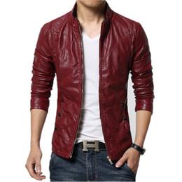 Chaqueta de cuero rojo de la motocicleta de los hombres online-Al por mayor del nuevo de la manera de la PU de la chaqueta de cuero de los hombres Negro Marrón Rojo sólido para hombre de piel falsa Coats Tendencia Slim Fit motocicleta Jóvenes gamuza chaqueta masculina