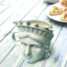 Wholesale Ceramic Statues - Creative American Statue Of Liberty Mug Free goddes 3D stereoscopic head sculpture Relief ceramic coffee cup 300ml for Starbucks coffee milk