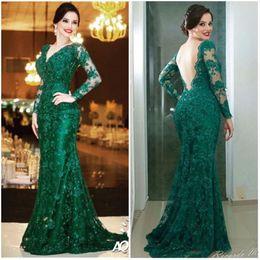 Smaragdkleid v hals online-Emerald Green Prom Dresses 2017 Sexy V-ausschnitt Backless Langarm Abendgarderobe Puls Größe Für Mutter der Braut Kleid Party Kleider