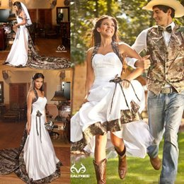 Wholesale Realtree Wedding - Vintage Country Realtree Camo White Wedding Dresses 2017 Halter Sweep Train Backless A-line Cheap Plus Size Garden Bridal Gowns Free Veil