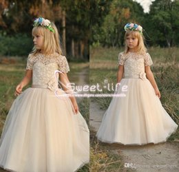 Wholesale Tiered Chiffon Flower Girl Dresses - 2017 New Design Flower Girl Dresses For Weddings Lace Short Sleeves Chiffon Floor Length Flower Sash First Communion Dresses For Girls