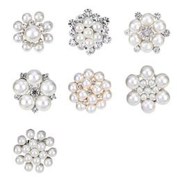 Wholesale Mini Flower Rhinestone - Pearl Brooch 2017 New Styles Mini Clear Rhinestone elegant Petal Flower Corsage For Wedding crystal brooches