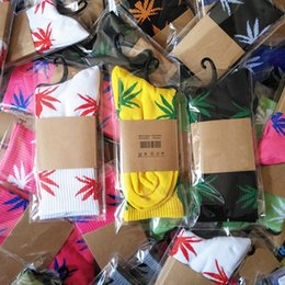 Wholesale Crew Socks Colors - Men Women 38 Colors Maple Leaf Sport Socks Crew High Socks Skateboard Hip Hop Socks Leaf Maple Leaves Stockings Cotton Unisex Plantlife Sock