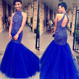 Vestido de jersey de cristal on-line-2020 estilo real Africano Blue Mermaid Dresses Prom Evening Wear Vestido Halter major Beading Cristal Vestido de Noite Sexy Open Back formal do partido