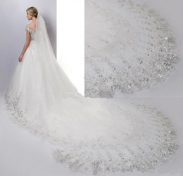 Wholesale Net Metering - 4 Meter White Ivory Cathedral Wedding Veils Long Lace Edge Bridal Veil with Comb Wedding Accessories Bride Wedding Veil