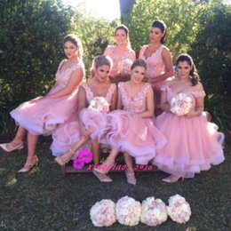 Wholesale Short Light Pink Bridesmaid Dress - Light Pink Tulle Knee Length 2017 Bridesmaid Dresses for Juniors with Deep V-Neck Straps Lace Applique Top Short Maid of Honor Ball Gowns