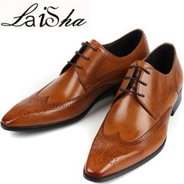 Wholesale E Lace Wedding Dresses - 2017 New Men Leather Shoes Luxury Designer Pointed Toe Mens Dress Shoes Leather Brand Wingtip Formal Wedding Social Male Leather Shoes