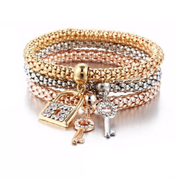 Wholesale Key Ring Links - Women Bracelet Girls Western Fashion Key   Lock Pendant Bracelet Christmas Gift thanksgiving gift Alloy Tri Color Set