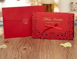 Canada Vente chaude Rouge Creux Fleur Invitations De Mariage Laser Cut Gratuit Personnalisé Impression Cartes D'invitation De Mariage avec Ruban Arc Offre