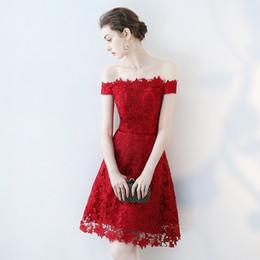 vestidos de quinceañera Rebajas De alta calidad vino rojo lleno de encaje fuera del hombro con cordones mangas cortas hasta la rodilla corta vestido de cóctel vestido de novia Onepiece para niña