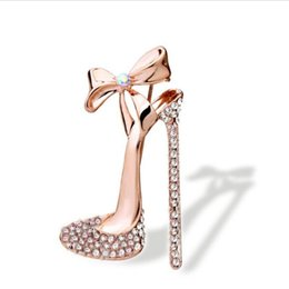 Wholesale Lady Shoes Wholesale - Wholesale- 1 pc Sexy Crystal High heeled Shoes Brooch Gold Plated Rhinestone Brooch Pin Jewelry for women ladies