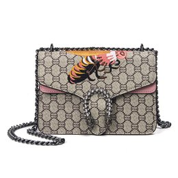 Wholesale Ladies Pink Cross Body Bag - Vintage Women Diamond Lattice Check Crossbody Bag Female Diamond Snake Head Chains Handbag Ladies Brand Designer Bee Embroidery Shoulder Bag