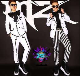Wholesale Chi Flat - South Korean men's singer DJ blockb Chi Long GD right white black stripe big bow suit dress costumes Nightclubs clothing