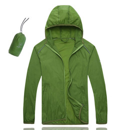 Argentina Pequeño abrigo de lluvia 2017 ciclismo Jersey chaqueta de múltiples funciones a prueba de viento bicicleta ropa de la bicicleta Ciclismo para hombres mujeres 0.08KG Love Coat cheap rain coat bikes Suministro