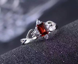 Wholesale Blood Stone Ring - Romantic silver gemstone ring for woman 0.5 ct 4*6mm natural blood red garnet silver ring solid 925 silver princess ring