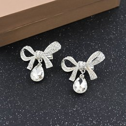 Wholesale Clear Claw Clip - High Trendy Crystal Flower Bridal Hair Clips Wedding Accessories 2017 White Red Beaded Headpieces Sets Two Pieces In Stock