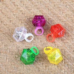 2019 bagues en plastique clignotantes fête mariage anniversaire led diamant lumière douce flash ring accessoires éclairer jouet plastique LED doigtés F20171840 bagues en plastique clignotantes pas cher