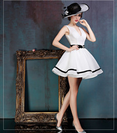 Wholesale Sexy Vintage Model Dancing - Gorgeous White Short Homecoming Dresses Sash Short Prom Dresses Ball Gown Sleeveless White Cocktail Party Gowns Dance Dress