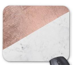 Coussins en caoutchouc blanc en Ligne-260 * 210 * 3mm en caoutchouc et tissu élégant moderne rose or blanc marbre couleur bloc souris tapis anti-dérapant tapis de souris en caoutchouc