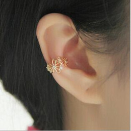 Wholesale Ear Cuff Earring Gold Plated - Crystal pearl ear clip Temperament female earrings flower clip No hole ear buckle ear clip wholesale free shipping