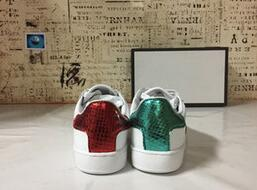 Wholesale Ladies Army Green Flats - 2017 New Womens Fashion White Leather Luxury tiger Cock Love Flower Embroidered Flat Casual Shoes Lady Red Green Shoes White sneakers 35-40