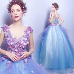 weiße koreanische hochzeitskleider Rabatt 2017 neue Mode Günstige Handgemachte Blumen Brautkleider Phantasie Applique Sleeveless Backless Prom Mädchen Pageant Kleid Ballkleid