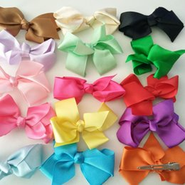 Wholesale Girls Hair Clips Boutique Hair Accessories Solid Color Baby Children Hair Bows Flower Girls Fashion Ribbon Bows with Clip