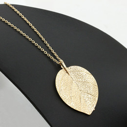 Wholesale Cheap Indian Costume Jewelry - Women Leaves Pendant Necklaces Jewelry Cheap Costume Jewelry Gold Color Alloy Leaf Design Pendant Necklace Fashion Jewelry