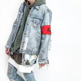Wholesale Women S Denim Jean Dress - Wholesale Men Women Holes 424 Armband Hip Hop Denim Jean Jackets Fashion Bomber Man Jacket Men\'s Windbreaker Streetwear Couples Dress
