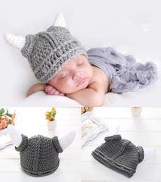 buchas de boi Desconto Crochê Bebê Menino Boi Chifre Cap Traje De Malha Bebê Recém-nascido Dos Desenhos Animados Outfits Baby Crochet Adereços Foto Chapéu Beanie Acessórios de Baptizado