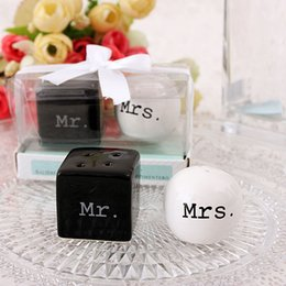 Wholesale Door Gift Wedding - 100pairs lot Indian wedding door gift of Mr. & Mrs. Ceramic mr mrs Salt and Pepper Shakers party favors