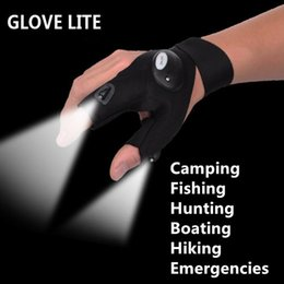 2019 tatuajes de pies femeninos Pesca Derecha al aire libre Magia Guante Sin Dedos LED Luz Linterna Antorcha Cubierta Negro Camping Montar Glovelite Guantes Luminosos