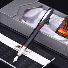 Bolígrafos picasso online-Pluma Picasso, Picasso 907 Montmartre Black M Nib Pluma estilográfica Anillo rojo y amarillo
