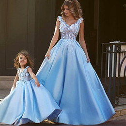 Wholesale Children Sexy Wear - New Arrival Blue Ball Gown Evening Dresses V Neck Tank Mother And Child Party Dress With Flower Sequined Long Vestido de festa