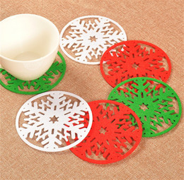 Wholesale Crochet Round Cloths - Hot 3 color 10 cm Christmas round Snow table mat crochet Christmas coasters zakka doilies cup pad props for dinning table decoration IB503